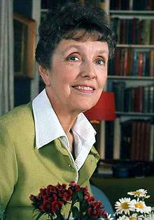 Joyce Grenfell Warren