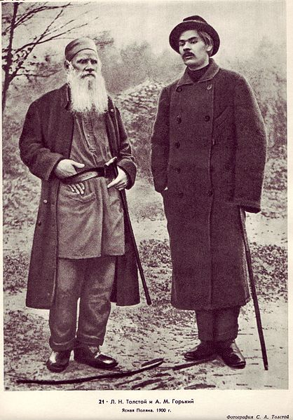 Leo Tolstoy with Gorky in Yasnaya Polyana, 1900
